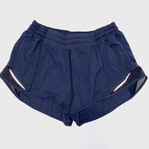 lululemon - hotty hot shorts